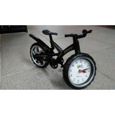 Часы в велосипеде